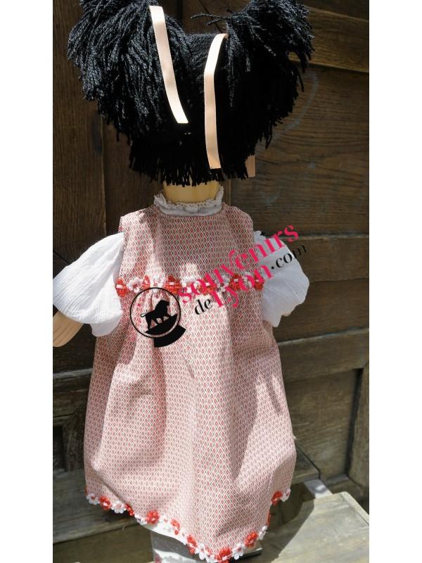 Marionnette la Fillette Brune chez Souvenirsdelyon.Com
